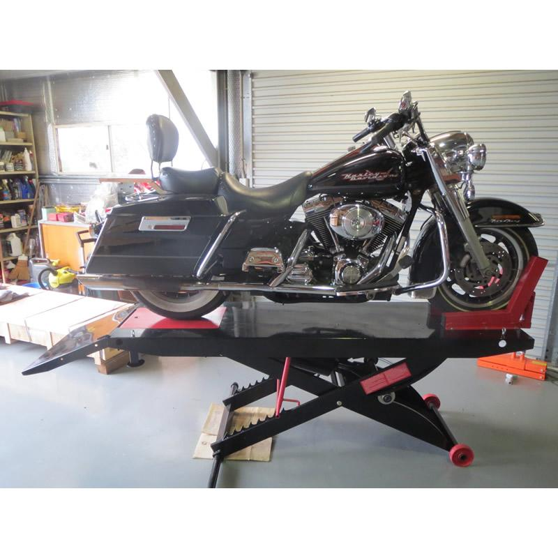 Harley Road King on Air Lifter
